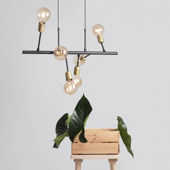 industrialna-lampa-wiszaca-z-zarowkami-na-metalowej-belce-zlote-elementy-lampy