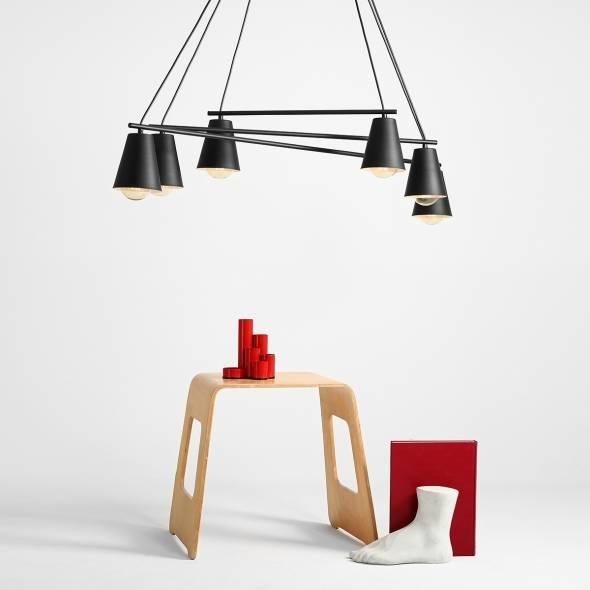 industrialna-lampa-z-szescioma-zrodlami-switala-lampa-wiszaca-z-regulacja-padania-swiatla