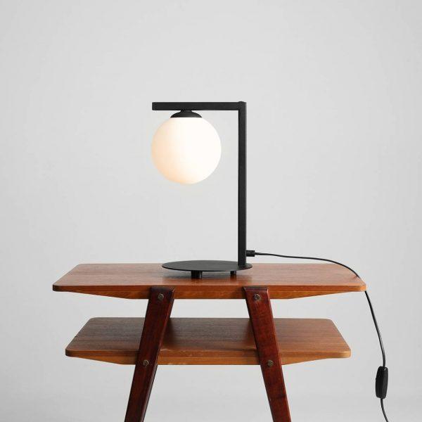 industrialna-lampa-na-stolik-nocny-lampy-do-sypialni