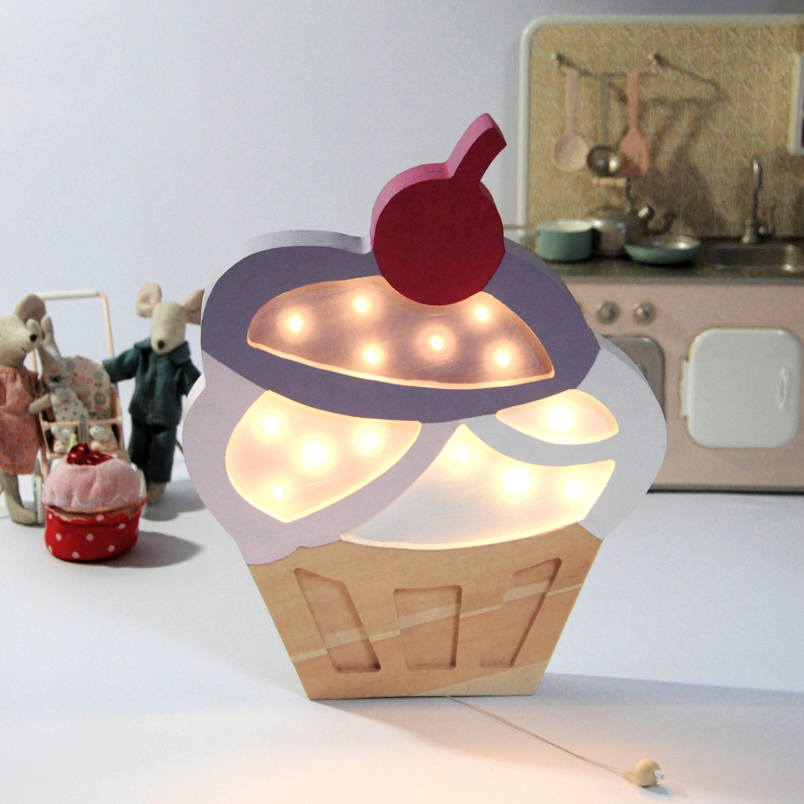 lampka-nocna-babeczka-lampka-do-pokoju-dzieciecego-dekoracje-led-dla-dzieci