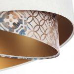 biala-lampa-z-dekoracyjnym-srodkiem