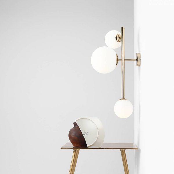 zlota-lampa-scienna-do-sypialni