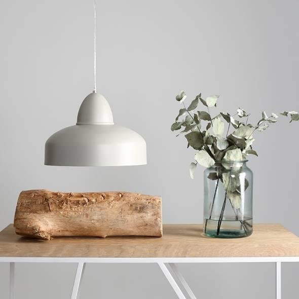 moda-lampa-kuchenna-wykonana-z-metalu