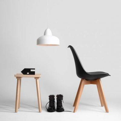 biala-lampa-kuchenna-w-nowoczesnym-wydaniu