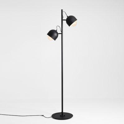 regulowana-lampa-stojaca-metalowa