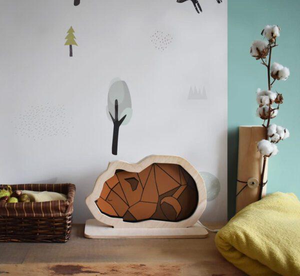 dekoracyjna-lampka-dziecieca-z-drewna-mis