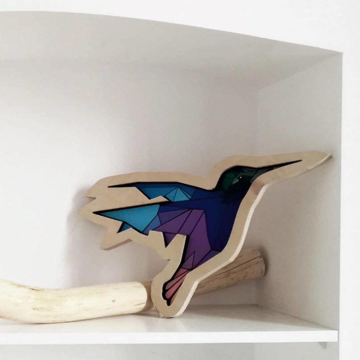 dekoracyjna-lampka-dziecieca-kolorowy-ptaszek-koliber