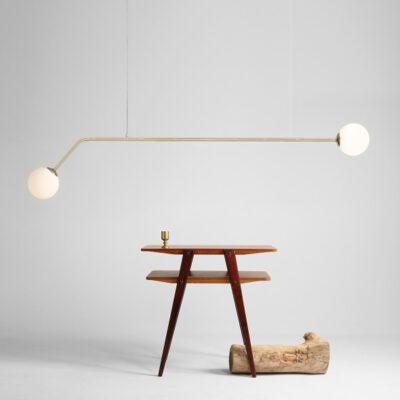 24098-minimalistyczny-zyrandol-z-matowymi-szklanymi-kulami-zlota-lampa-1