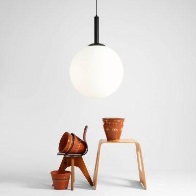 przepiekna-lampa-wiszaca-nad-stol