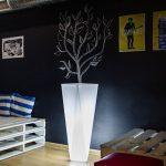 nowoczesna-donica-led-oswietlenie-salonu-swiecace-donice