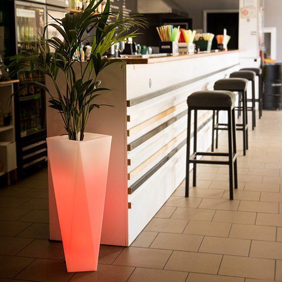 nowoczesna donica-led-oswietlenie-led-kolorowe