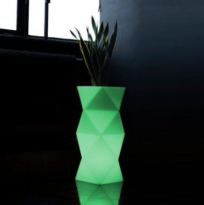 designerska-donica-podswietlana-nowoczesna-donica-swiecaca-do-ogrodu-geometryczne-donice
