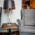 szklana-lampa-podlogowa-nowoczesne-lampy-na-stol