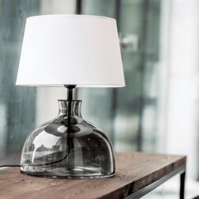 lampka-nocna-szklana-nowoczesne-lampki-stolowe-modne-lampy-do-pokoju