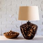 szklana-lampa-stolowa-nowoczesne-lampy-na-stolik-stylowe-lampy-na-stolik-nocny