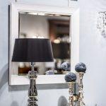 chromowana-lampa-stolowa-pieknelampy-do-sypialni