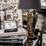 miedziana-lampa-stolowa-eleganckie-oswietlenie-na-stolik